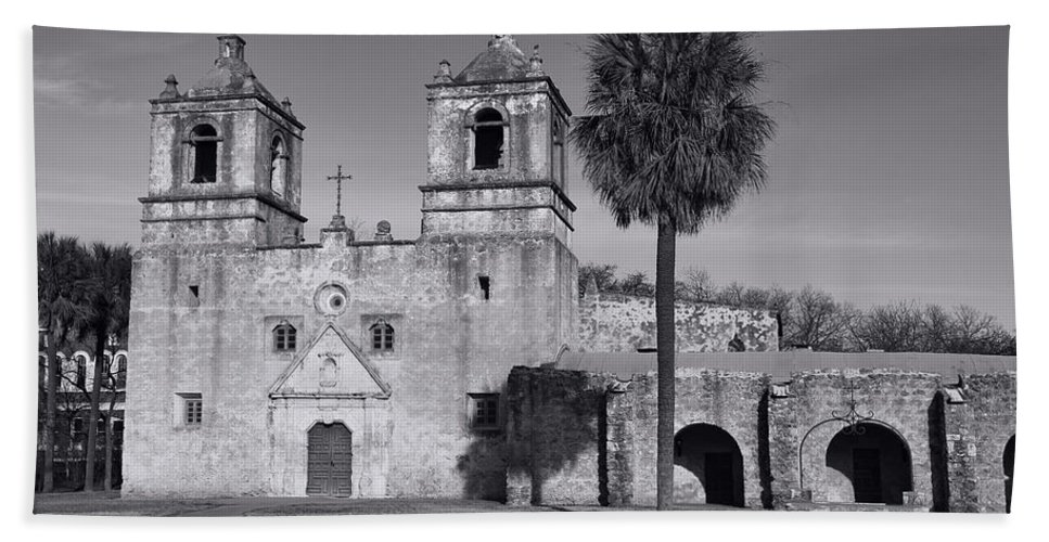 Texas Bath Sheet featuring the photograph Mission Concepcion -- Bw by Stephen Stookey