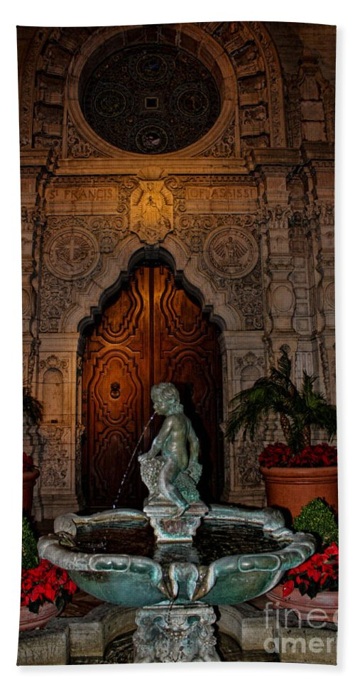 Mission Inn Hand Towel featuring the photograph Mission Inn Chapel Fountain by Tommy Anderson