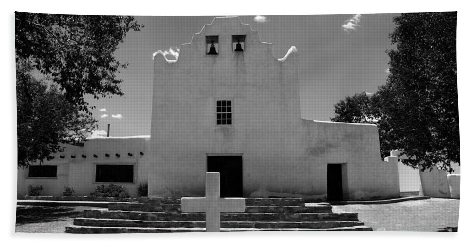 Mission San Jose Bath Towel featuring the photograph Mission San Jose by David Lee Thompson