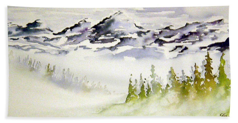 Rock Mountain Range Alberta Canada Bath Towel featuring the painting Mist In The Mountains by Joanne Smoley