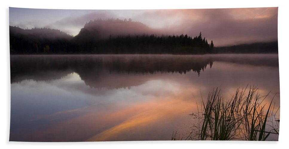Sunrise Hand Towel featuring the photograph Misty Dawn by Mike Dawson