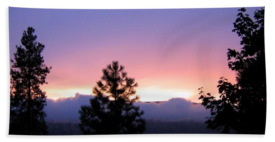 Sunset Hand Towel featuring the photograph Misty Sunset by Will Borden