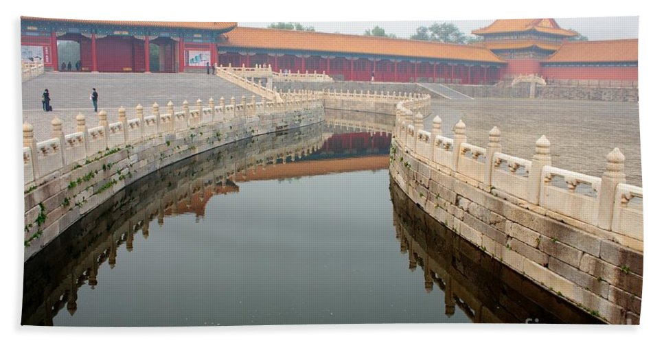Moat Hand Towel featuring the photograph Moat Forbidden City Beijing by Thomas Marchessault