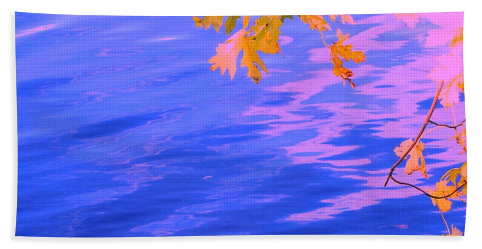 Water Hand Towel featuring the photograph Moment Of Quiet by Sybil Staples