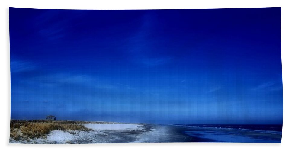 Jersey Shore Bath Towel featuring the photograph Mood Of A Beach Evening - Jersey Shore by Angie Tirado