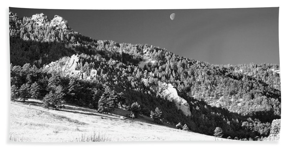Colorado Hand Towel featuring the photograph Moon Over Chatauqua 2 by Marilyn Hunt