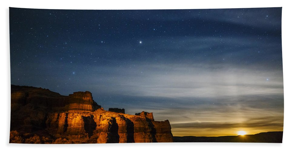 Moon Rise Hand Towel featuring the photograph Moon Rise At Pillars Of Rome, Oregon, Usa by Vishwanath Bhat