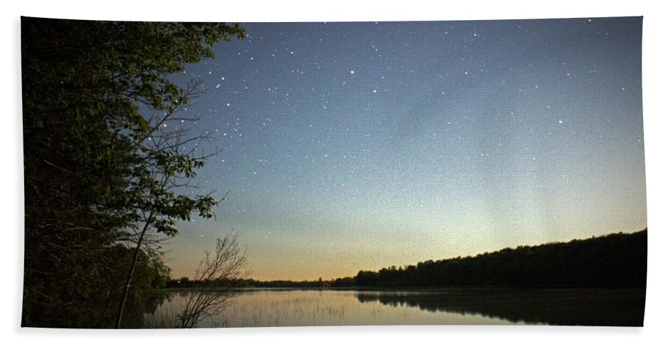Night Bath Sheet featuring the photograph Starlight Over Susan Lake by LuAnn Griffin
