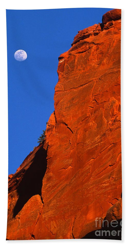 Full Moon Hand Towel featuring the photograph Moonrise In Grand Staircase Escalante by Sandra Bronstein