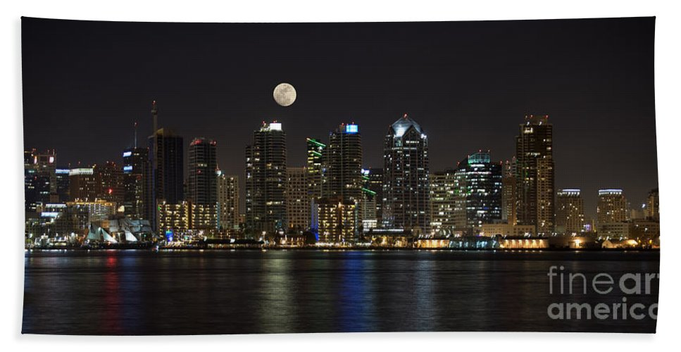 Panorama Hand Towel featuring the photograph Moonrise Over San Diego by Sandra Bronstein
