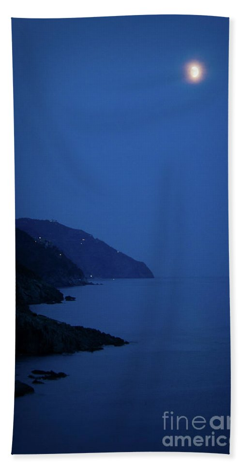 Vernazza Bath Sheet featuring the photograph Moonrise Over Vernazza by Doug Sturgess