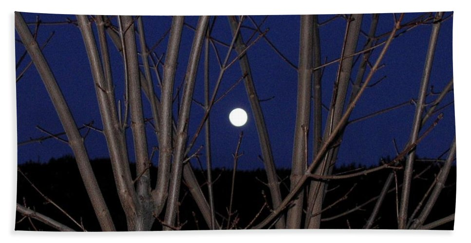 Moon Hand Towel featuring the photograph Moonrise by Will Borden