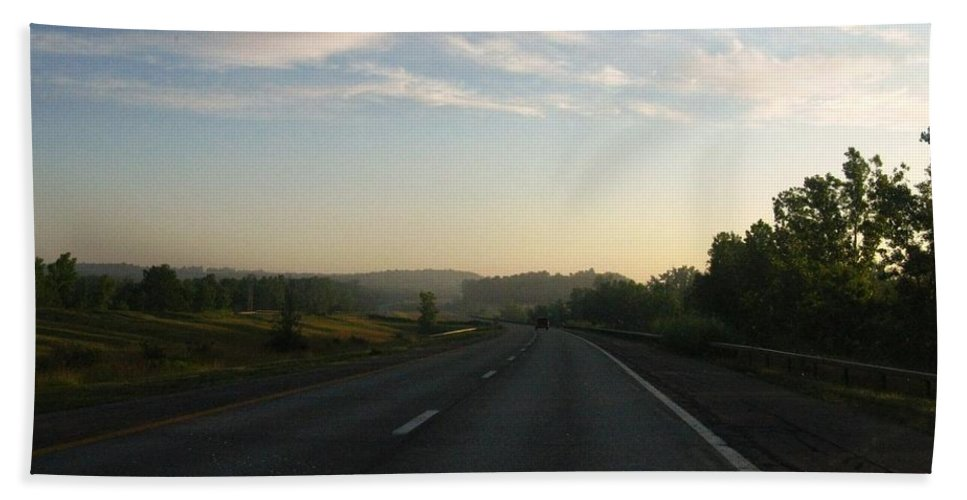 Landscape Bath Towel featuring the photograph Morning Drive by Rhonda Barrett