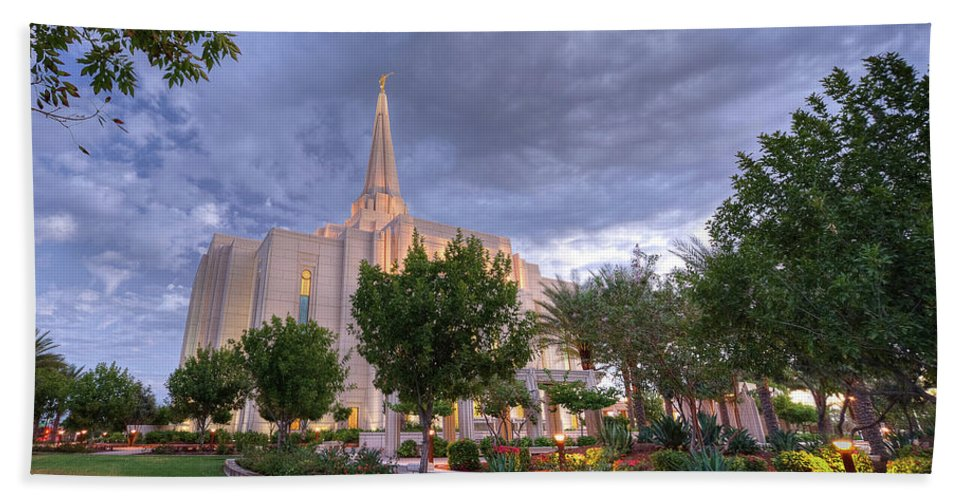 Gilbert Temple Hand Towel featuring the photograph Morning Star by David Simpson