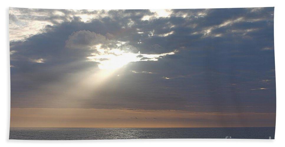 Sky Bath Towel featuring the photograph Morning Sunburst by Nadine Rippelmeyer