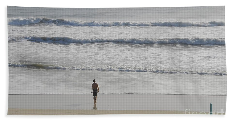 Surfing Bath Towel featuring the photograph Morning Surf by David Lee Thompson