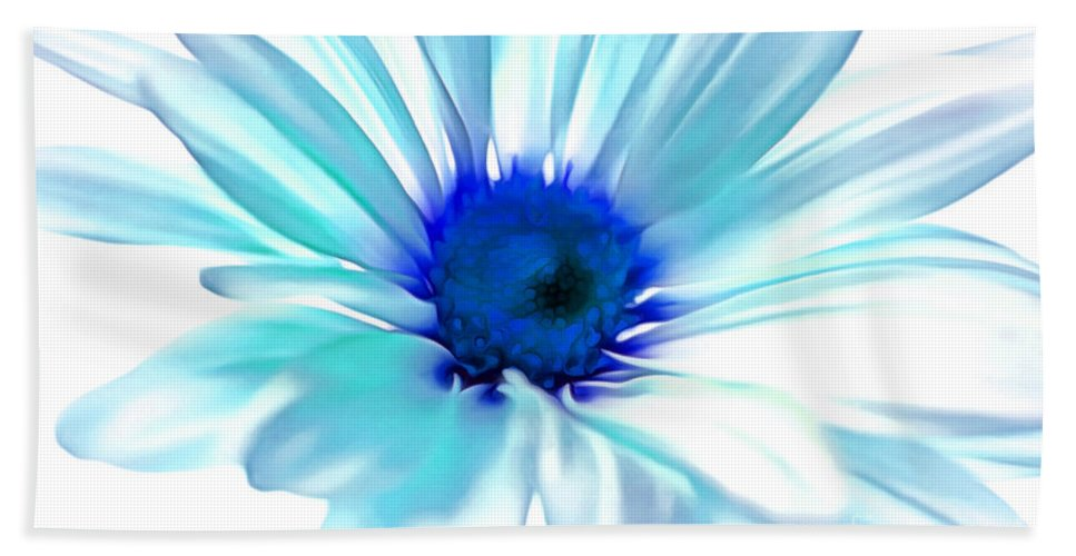 Daisy Hand Towel featuring the photograph Morning Whisper by Krissy Katsimbras