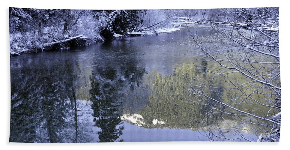 Clay Hand Towel featuring the photograph Mother Natures Chilling Touch by Clayton Bruster