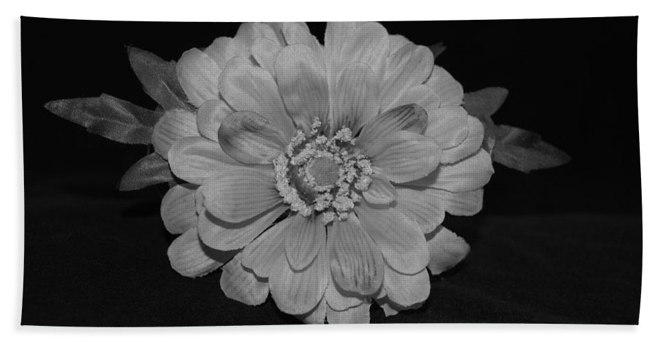 Black And White Bath Towel featuring the photograph Mothers Day Flower by Rob Hans