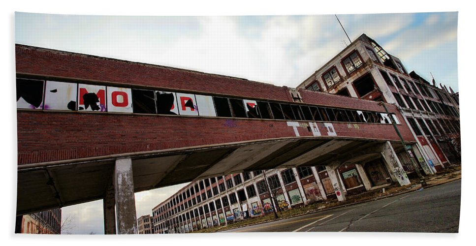 Packard Bath Sheet featuring the photograph Motor City Industrial Park The Detroit Packard Plant by Gordon Dean II
