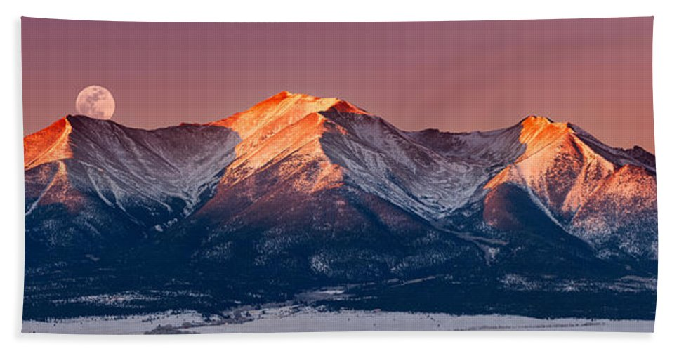 Pano Bath Towel featuring the photograph Mount Princeton Moonset At Sunrise by Darren White