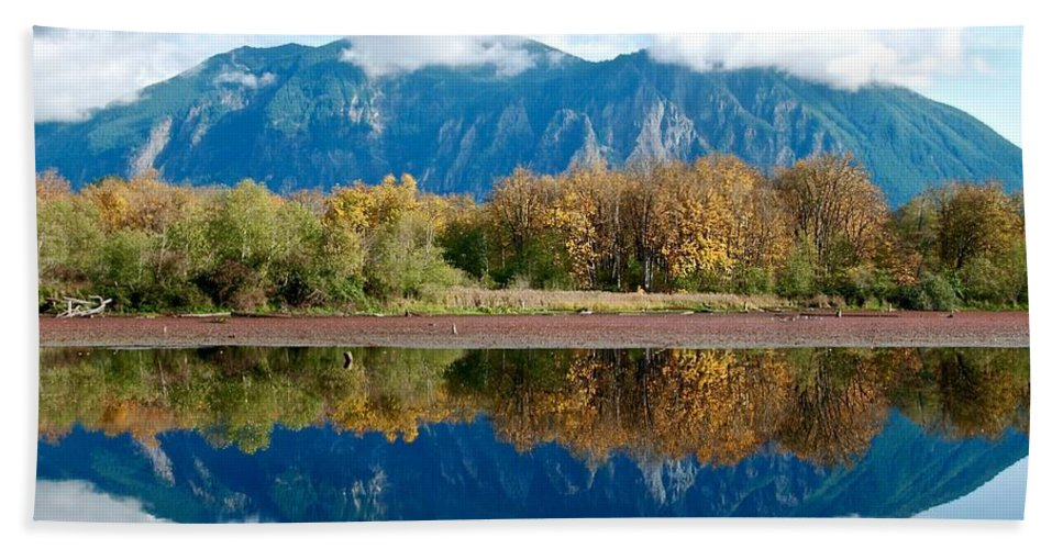 Mirror-image Bath Sheet featuring the photograph Mount Si by David Coleman