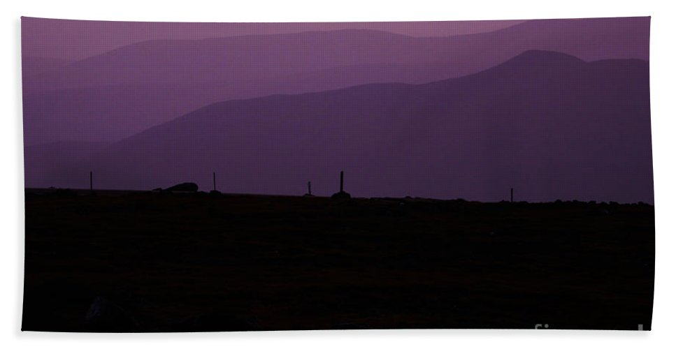 White Mountains Bath Towel featuring the photograph Mount Washington New Hampshire - Auto Road by Erin Paul Donovan