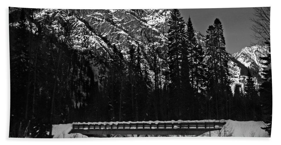 Snow Dusted Mountain Bridge River Hand Towel featuring the photograph Mountain And Bridge Black And White by Pelo Blanco Photo