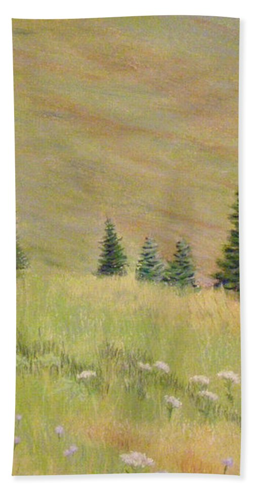 Landscape Bath Towel featuring the painting Mountain Meadow by Lynn Quinn