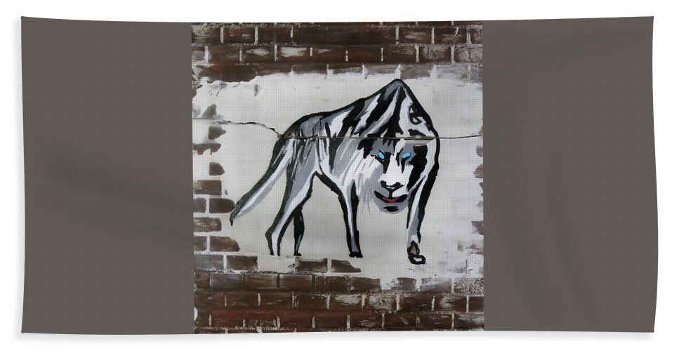 Brick Bath Sheet featuring the mixed media Mountain Tiger by Herman Cerrato