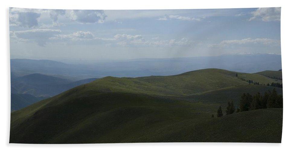 Mountain Bath Sheet featuring the photograph Mountain Top 4 by Sara Stevenson