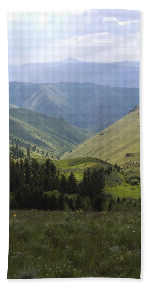 Mountain Bath Sheet featuring the photograph Mountain Top 6 by Sara Stevenson