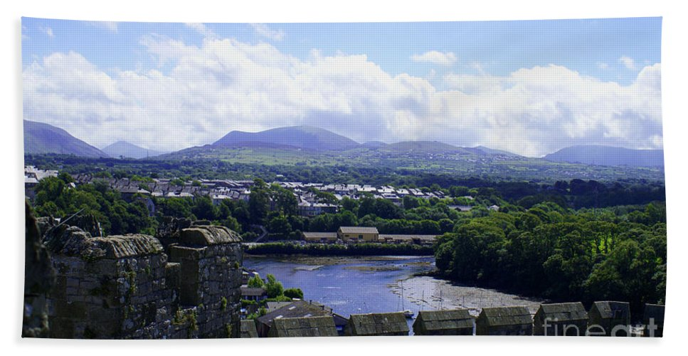 Snowdonia Bath Sheet featuring the photograph Mountains Of Wales by Robert Edgar