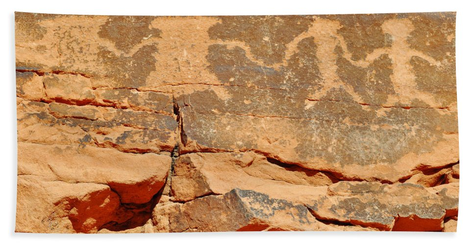 Valley Of Fire State Park Hand Towel featuring the photograph Mouse's Tank Petroglyph Canyon Peace by Kyle Hanson