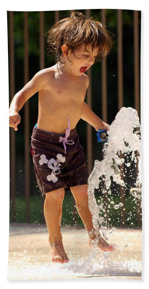 Kid Hand Towel featuring the photograph Movement Contest 3 by Jill Reger