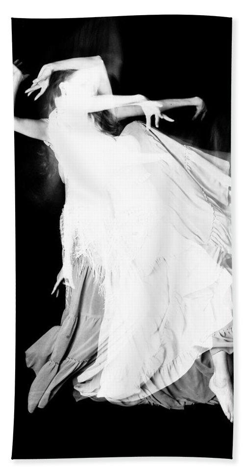 Dance Bath Towel featuring the photograph Movement by Scott Sawyer