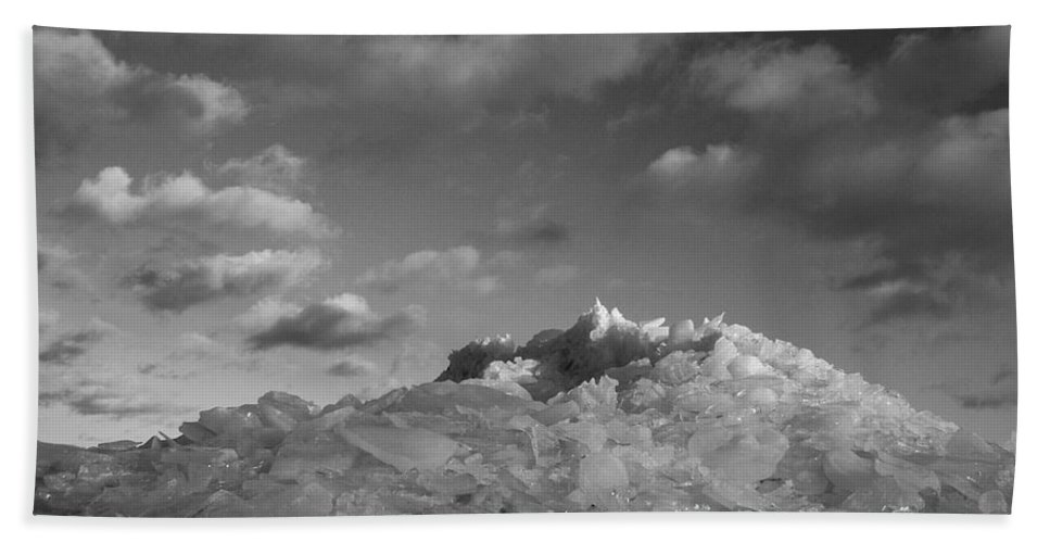 Ice Hand Towel featuring the photograph Mt. Chilly by Jeff Galbraith