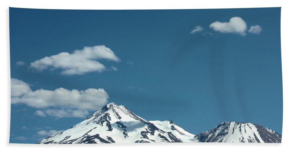 Cloud Bath Towel featuring the photograph Mt Shasta With Heart-shaped Cloud by Carol Groenen