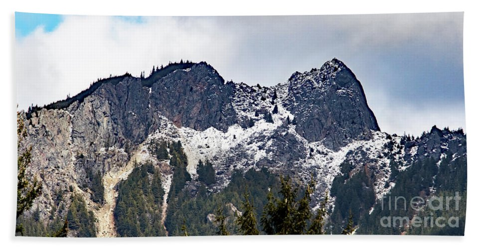 Pacific Northwest Bath Sheet featuring the photograph Mt. Si South View by Marland Howard