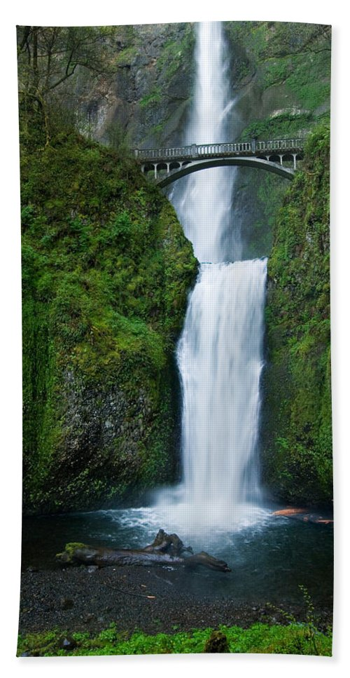 Waterfall Hand Towel featuring the photograph Multnomah Falls by Renee Hong