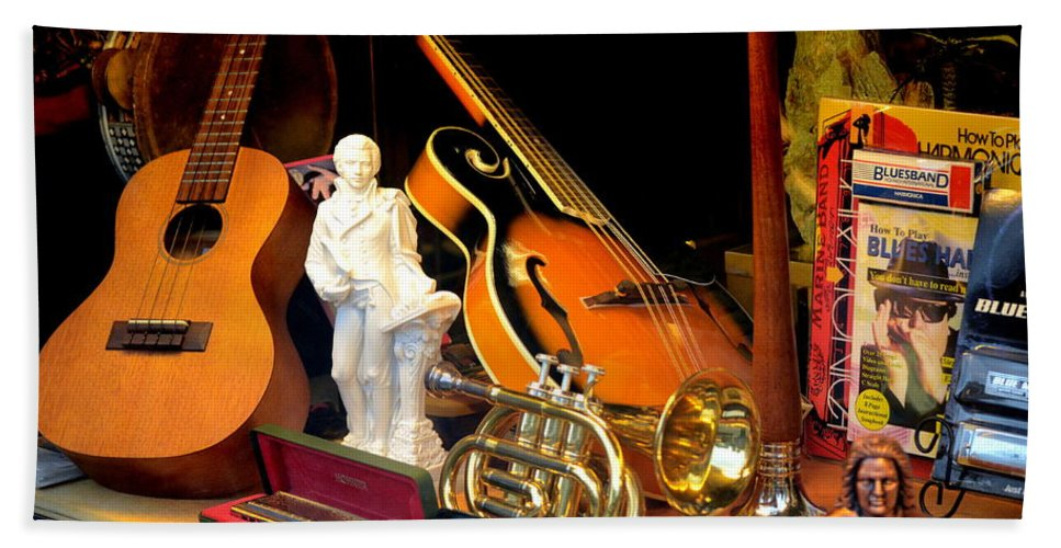 Color Hand Towel featuring the photograph Musically Inclined by Vickie Washington