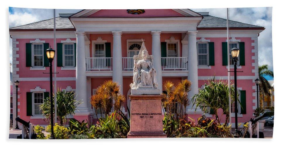 Nassau Bath Sheet featuring the photograph Nassau Senate Building by Christopher Holmes