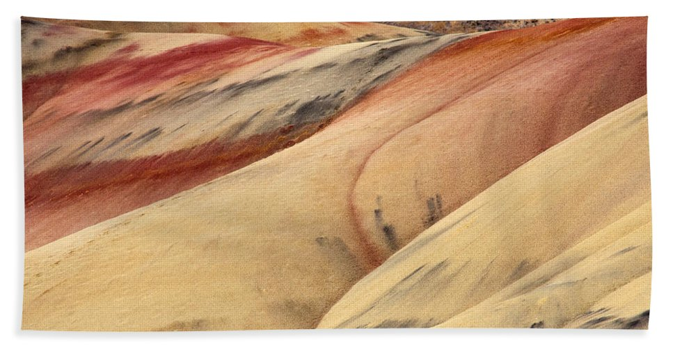 Painted Hills Bath Towel featuring the photograph Nature's Palette by Mike Dawson