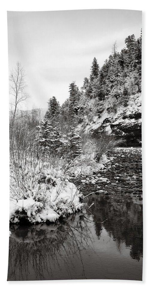 Winter Bath Towel featuring the photograph Near Telluride Colorado by Marilyn Hunt