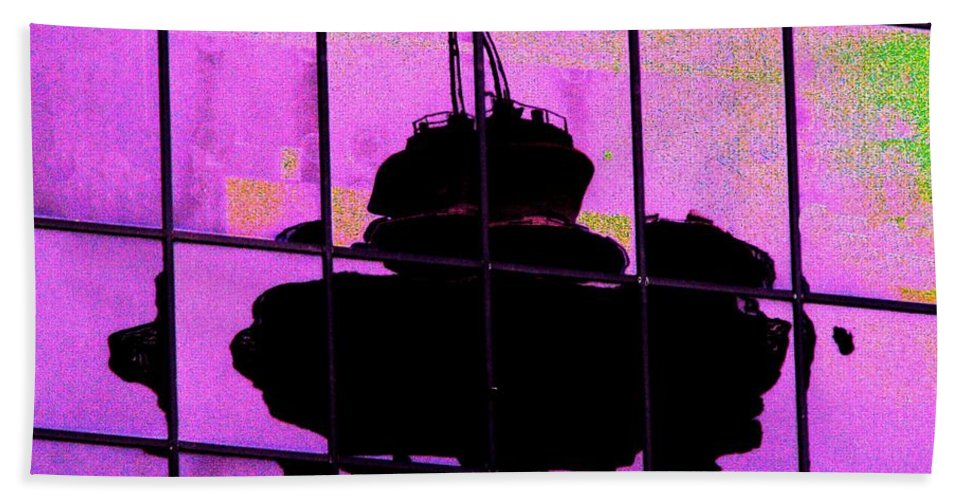 Seattle Bath Towel featuring the digital art Needle Reflect 2 by Tim Allen