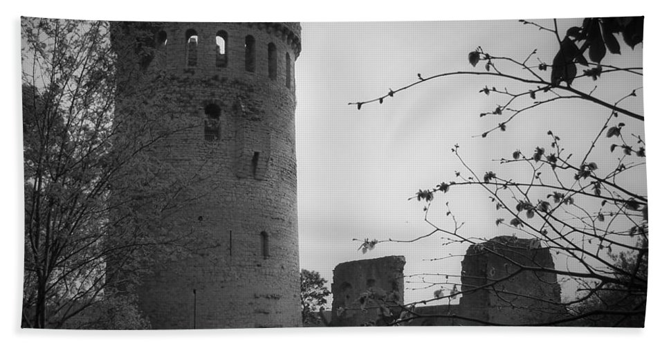 Ireland Bath Sheet featuring the photograph Nenagh Castle County Tipperary Ireland by Teresa Mucha
