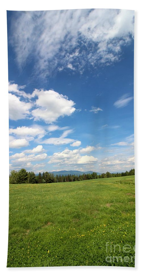 Mountain And Sky Hand Towel featuring the photograph New Hampshire Farm Meadow by Neal Eslinger