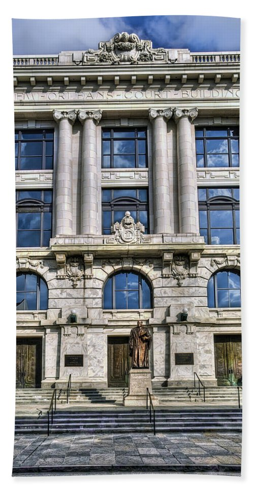 New Orleans Bath Sheet featuring the photograph New Orleans Court Building by Tammy Wetzel
