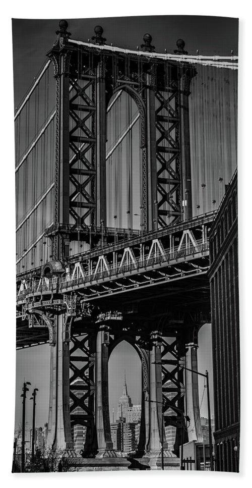 New York City Manhattan Bridge Hand Towel featuring the photograph New York City - Manhattan Bridge by Scott Moore