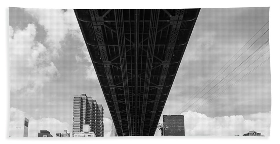New York City Bath Sheet featuring the photograph New York City - Queensboro Bridge by Thomas Richter
